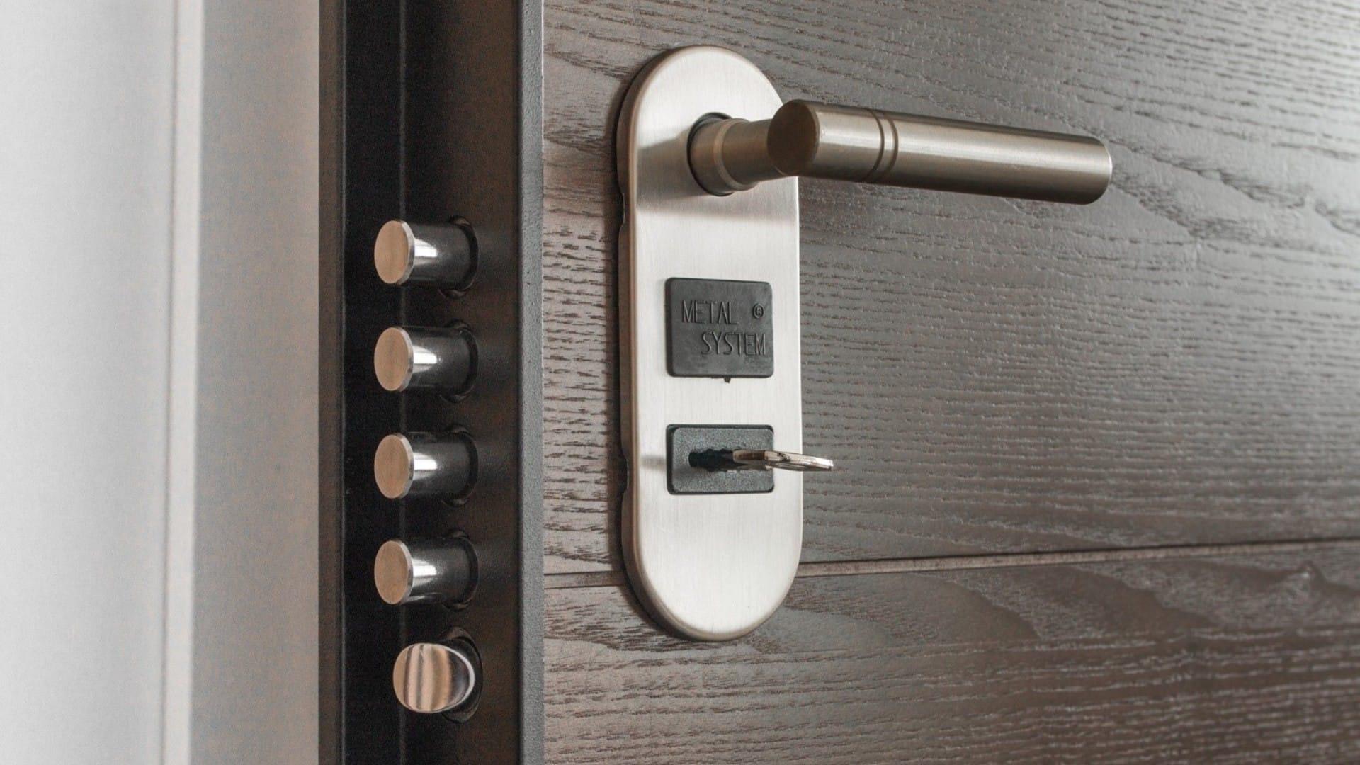 Sostituire Pannello Porta Blindata i migliori 20 tecnici per sostituire pannello porta blindata