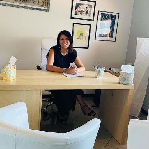 Laura Crespi - Psicologa a Varese, Como. - Una professionista certificata, per il benessere mentale dei suoi pazienti.