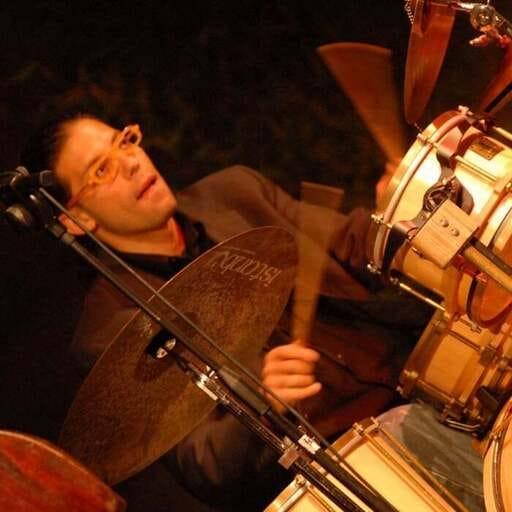 Intrattenimento eventi con gruppo musicale: cosa prendere in considerazione - Dario Mazzucco - Insegnante di Batteria e Percussioni a Bologna