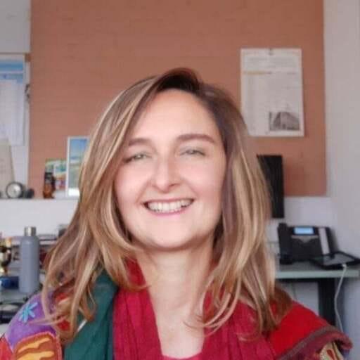 Si può fare un pasto prima di fare Yoga? - Donatella Baldazzi - Naturopata Kinesiologa, Esperta di Fiori di Bach e Istruttore Yoga a Bologna