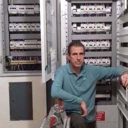 Le risposte del Professionista alle tue domande - Enzo Sasso - Elettricista a Genova