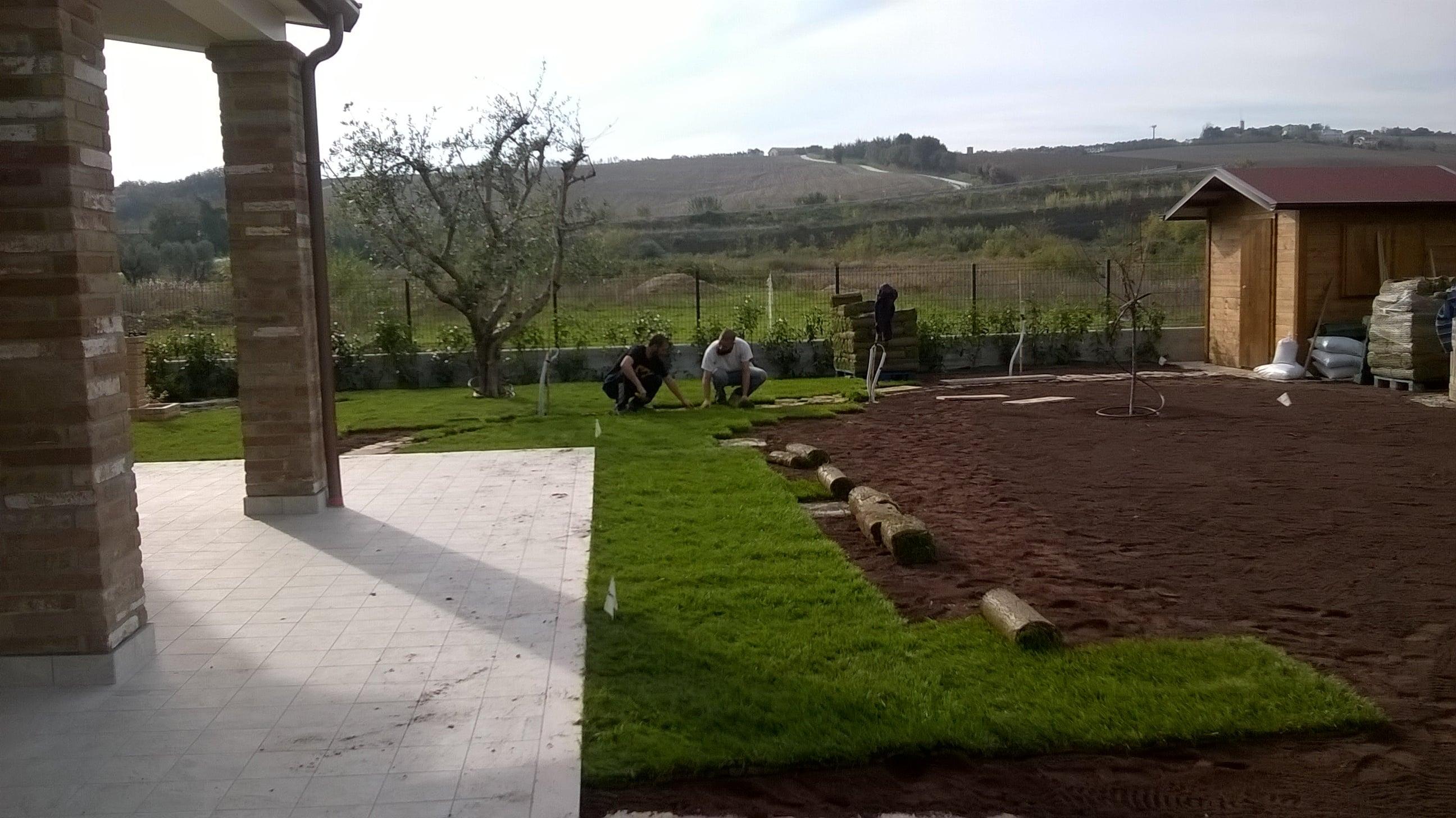 Dal ben giardini e progettazione giardino villetta mekan for Arredo giardino rimini