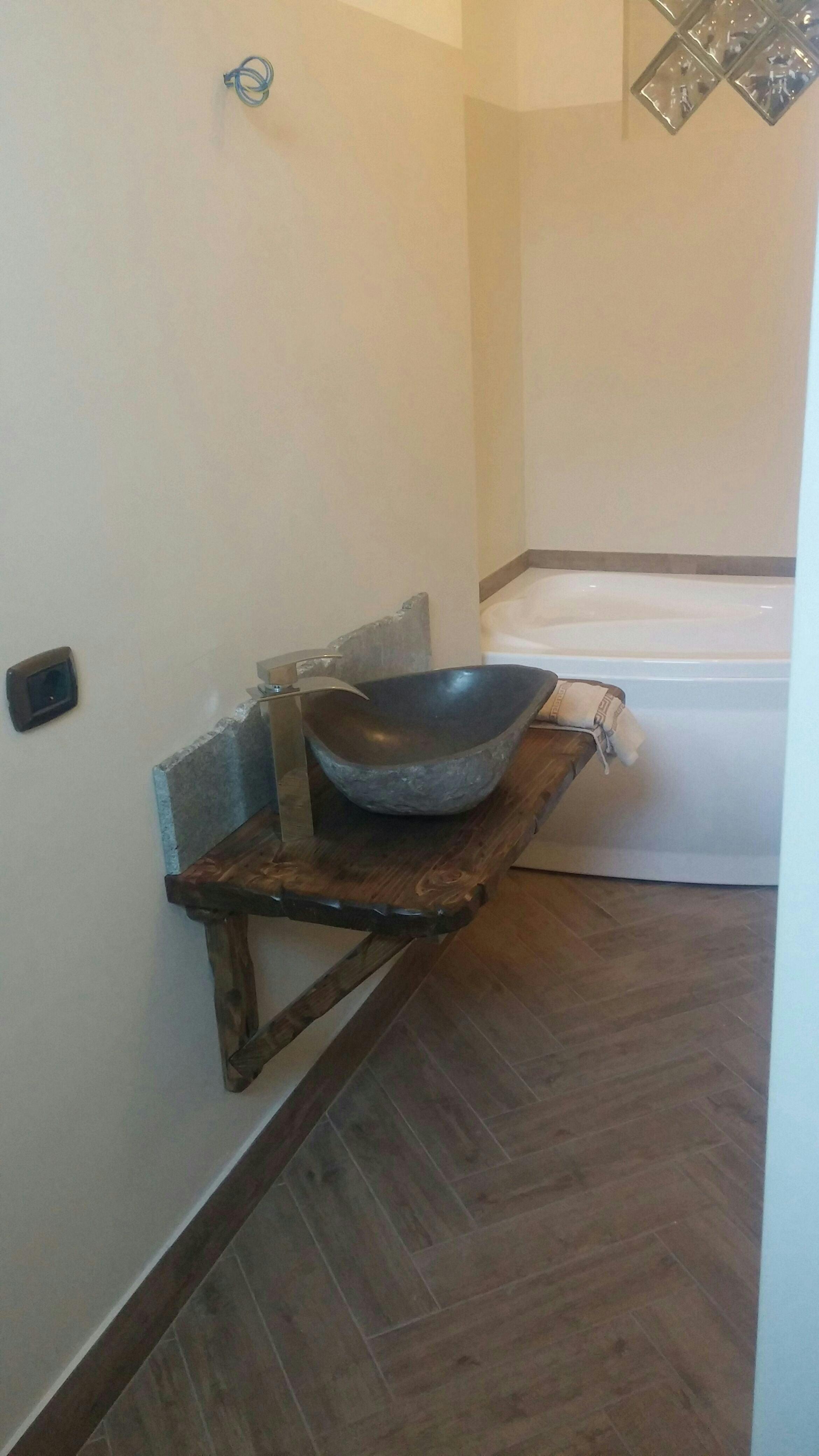 Verniciare la vasca da bagno top verniciare vasca da bagno qualit smaltare piastrelle bagno - Smaltare vasca da bagno costi ...